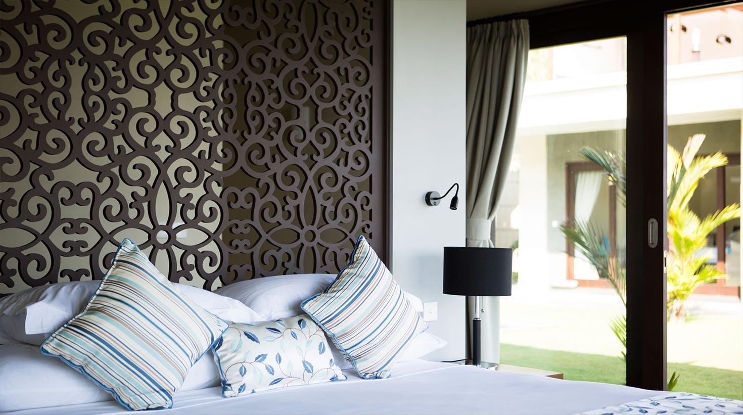 villa-bali-candidasa-luxury-bedroom