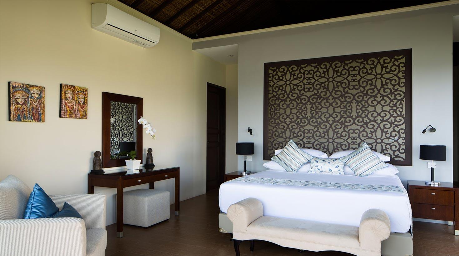 villa-bali-candidasa-luxury-bedrooms