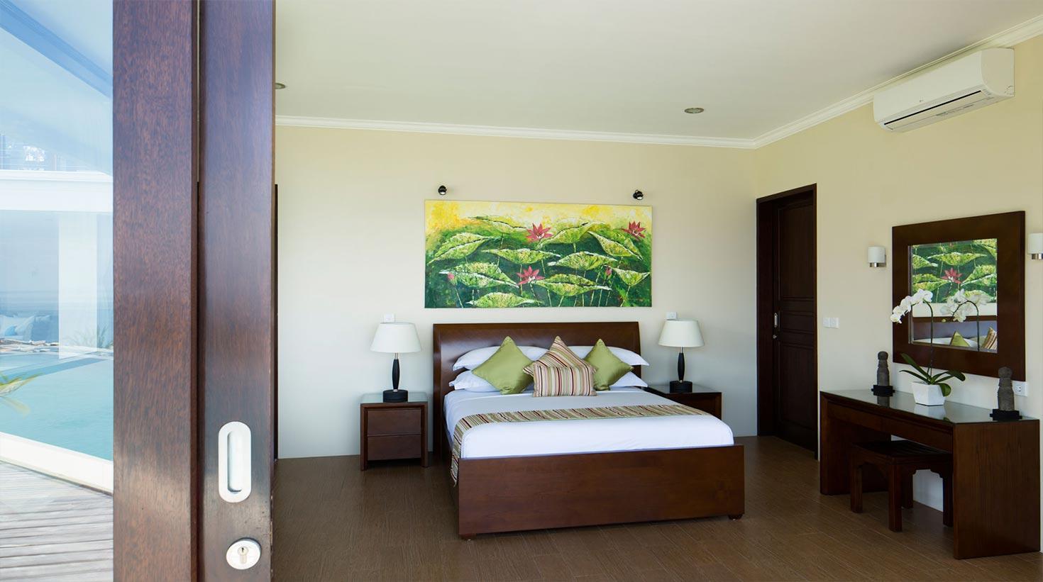 villa-bali-candidasa-luxury-multiple-bedrooms