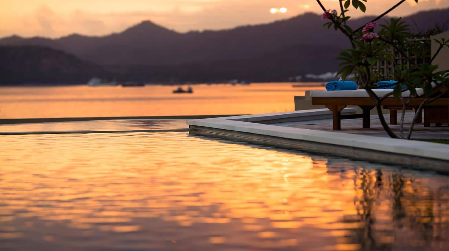 villa-bali-candidasa-luxury-view-evening