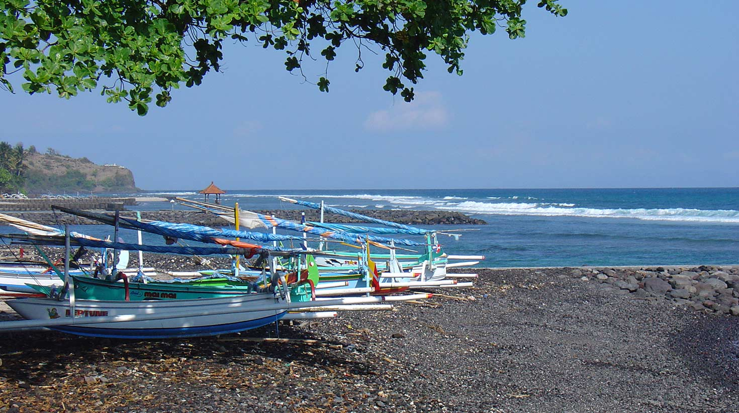 villa-bali-candidasa-fishingboats